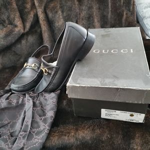 Size 9 Classic Gucci loafers